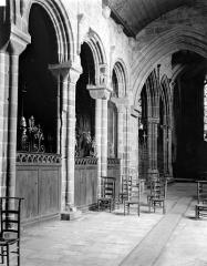 Eglise Notre-Dame de Roscudon - Vue intérieure du bas-côté sud pris depuis le transept