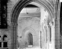 Eglise Notre-Dame de Roscudon - Vue intérieure du bas-côté sud pris depuis le déambulatoire
