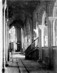 Eglise Notre-Dame de Roscudon - Vue intérieure du bas-côté nord pris depuis le transept