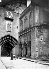 Eglise Saint-Eloi - Porche d'entrée