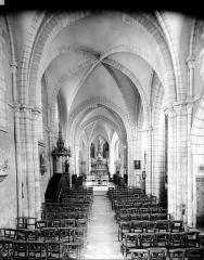 Eglise Saint-Valérien - Vue intérieure de la nef vers le choeur