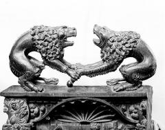 Eglise - Stalles, détail des crêtes : Les lions