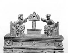 Eglise - Stalles, détail des crêtes : Les lecteurs