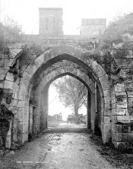 Enceinte de la ville - Porte de ville dite porte d'En-Haut