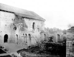 Prieuré de Saint-Jean-des-Bonshommes - Salle capitulaire : Façade sur le cloître