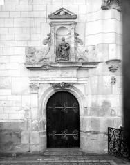 Eglise Saint-Symphorien - Porte de la sacristie