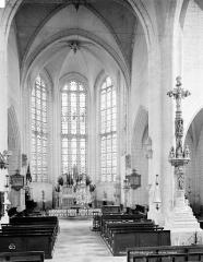 Eglise Saint-Symphorien - Vue intérieure du choeur