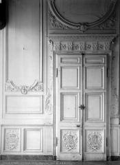 Domaine national : Château de Maisons-Laffitte - Chambre du roi : Porte et lambris