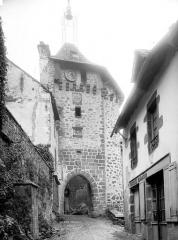 Beffroi appelé aussi Tour de l'horloge - Vue d'ensemble
