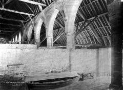 Ancienne abbaye de Maubuisson - Grange : Vue intérieure