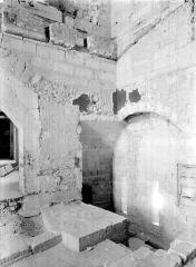 Palais des Papes - Escalier reliant la sacristie de la chapelle de Clément VI à la tour de la Garde-Robe