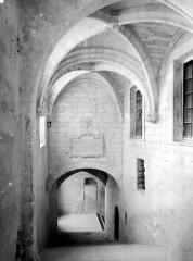 Palais des Papes - Escalier d'honneur