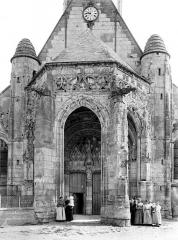 Eglise Sainte-Marie-Madeleine de Maignelay - Porche de la façade ouest
