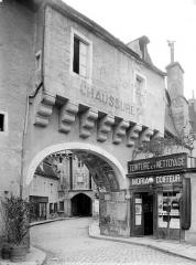 Enceinte de la ville - Porte Sauvigny, avant-porte : Vue d'ensemble extra-muros