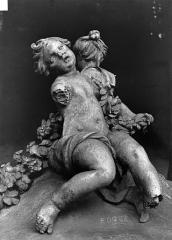 Domaine national de Versailles - Groupe sculpté en plomb : Enfants
