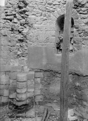 Ancienne abbaye Saint-Martin-des-Champs, actuellement Conservatoire National des Arts et Métiers et Musée National des Techniques - Eglise : Restes d'une chapelle à droite du clocher