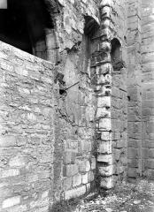 Ancienne abbaye Saint-Martin-des-Champs, actuellement Conservatoire National des Arts et Métiers et Musée National des Techniques - Eglise : Chapelle à gauche du clocher, contrefort droit