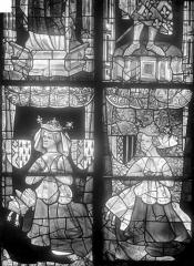 Cathédrale Saint-Julien - Vitrail du transept nord, baie 13, panneaux 23 et 24 : Maris de Blois mère de Louis II et Yolande d'Aragon femme de Louis II