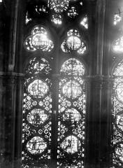 Cathédrale Notre-Dame - Chapelles du choeur, vitrail H