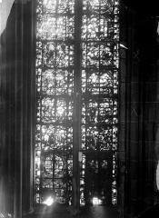 Cathédrale Notre-Dame - Chapelles du choeur, vitrail P