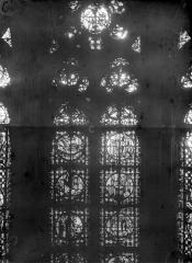 Cathédrale Notre-Dame - Chapelles du choeur, vitrail C'