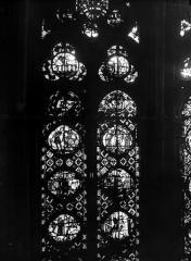 Cathédrale Notre-Dame - Chapelles du choeur, vitrail H'
