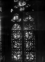 Cathédrale Notre-Dame - Chapelles du choeur, vitrail M'