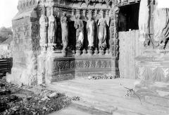 Cathédrale Notre-Dame - Portail nord de la façade ouest : Ebrasement gauche