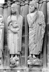 Cathédrale Notre-Dame - Portail sud de la façade ouest. Ebrasement droit : Statues de saint Jean-Baptiste et d'Isaïe