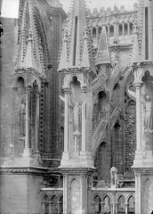 Cathédrale Notre-Dame - Abside, côté sud : Contreforts