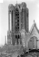 Cathédrale Notre-Dame - Tour sud, côté nord-est
