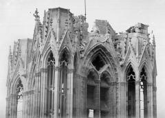 Cathédrale Notre-Dame - Tour nord, angle sud-est : Couronnement