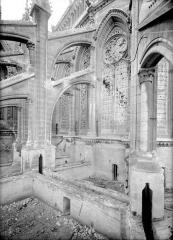 Cathédrale Notre-Dame - Abside, côté sud-est : Contreforts et arcs-boutants