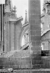 Cathédrale Notre-Dame - Abside : Contreforts et arcs-boutants