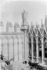 Cathédrale Notre-Dame - Façade nord : Balustrade et galerie