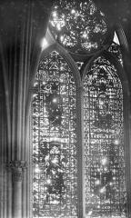 Cathédrale Notre-Dame - Vitrail, baie de la nef côté sud, 3e travée