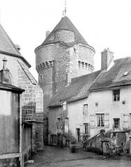 Tour de la Motte-Forte - Vue prise de la place