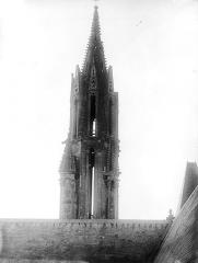 Ancienne cathédrale et son chapître - Flèche : Vue d'ensemble de la partie supérieure