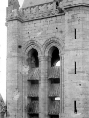 Ancienne cathédrale et son chapître - Tour-clocher : Partie au niveau des ouvertures