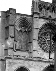 Cathédrale Saint-Gervais et Saint-Protais - Façade ouest : Fenêtre nord