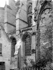 Cathédrale Saint-Gervais et Saint-Protais - Façade nord : Arcature du transept et arcs-boutants du chevet