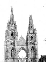 Ancienne abbaye de Saint-Jean-des-Vignes - Façade ouest : Partie supérieures et tours
