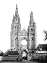 Ancienne abbaye de Saint-Jean-des-Vignes - Façade ouest : Vue d'ensemble