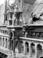 Cathédrale Notre-Dame - Transept sud : Pinacle