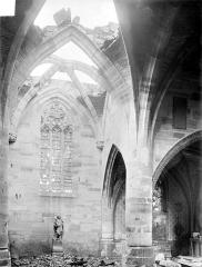 Eglise Saint-Rémy - Vue intérieure du transept