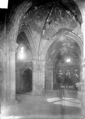 Eglise de la Nativité de la Vierge - Vue intérieure du choeur et du transept nord
