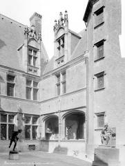 Hôtel Cujas, ou Salvi - Cour intérieure : Façade ouest