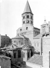Eglise Notre-Dame-du-Port - Chevet et clocher, côté nord-est