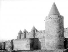 Cité de Carcassonne - Donjon et remparts