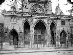 Eglise Saint-Germain-l'Auxerrois - Porche de la façade ouest